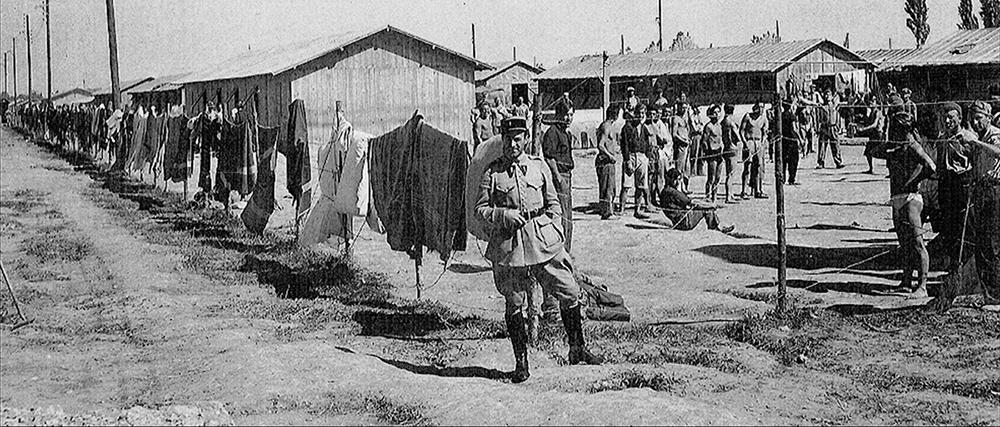 Basotik itsasora dokumentala foto old